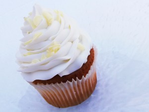 Frosted Vanilla Cupcake 2-pack