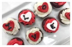 Chocolate & Red Velvet Cupcake Gift Box