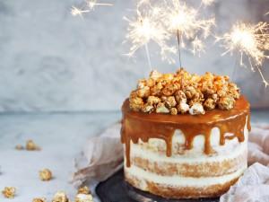 Birthday Cake - Popcorn